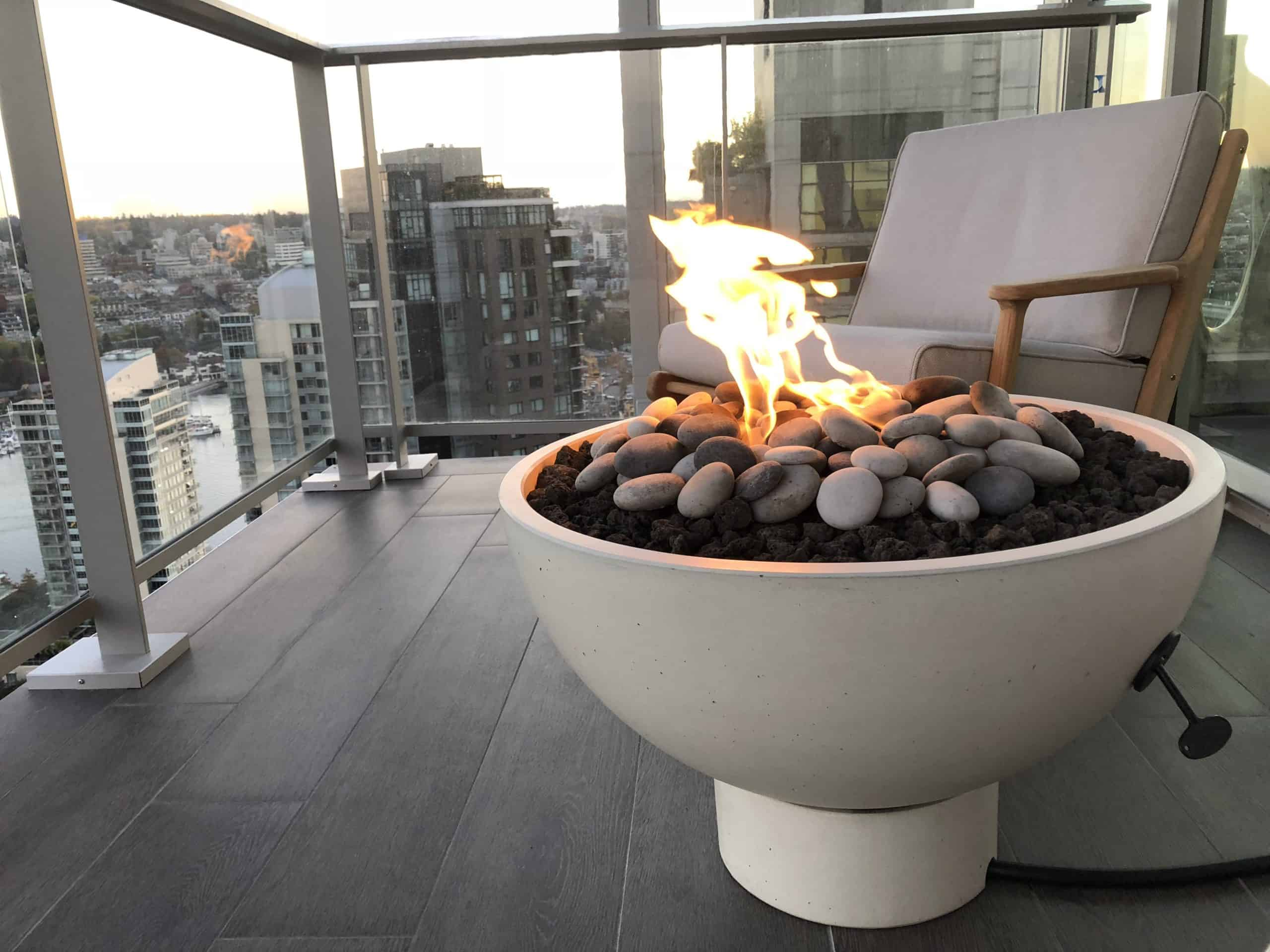 Hemi 26 Fire Bowl Linen with Plinth