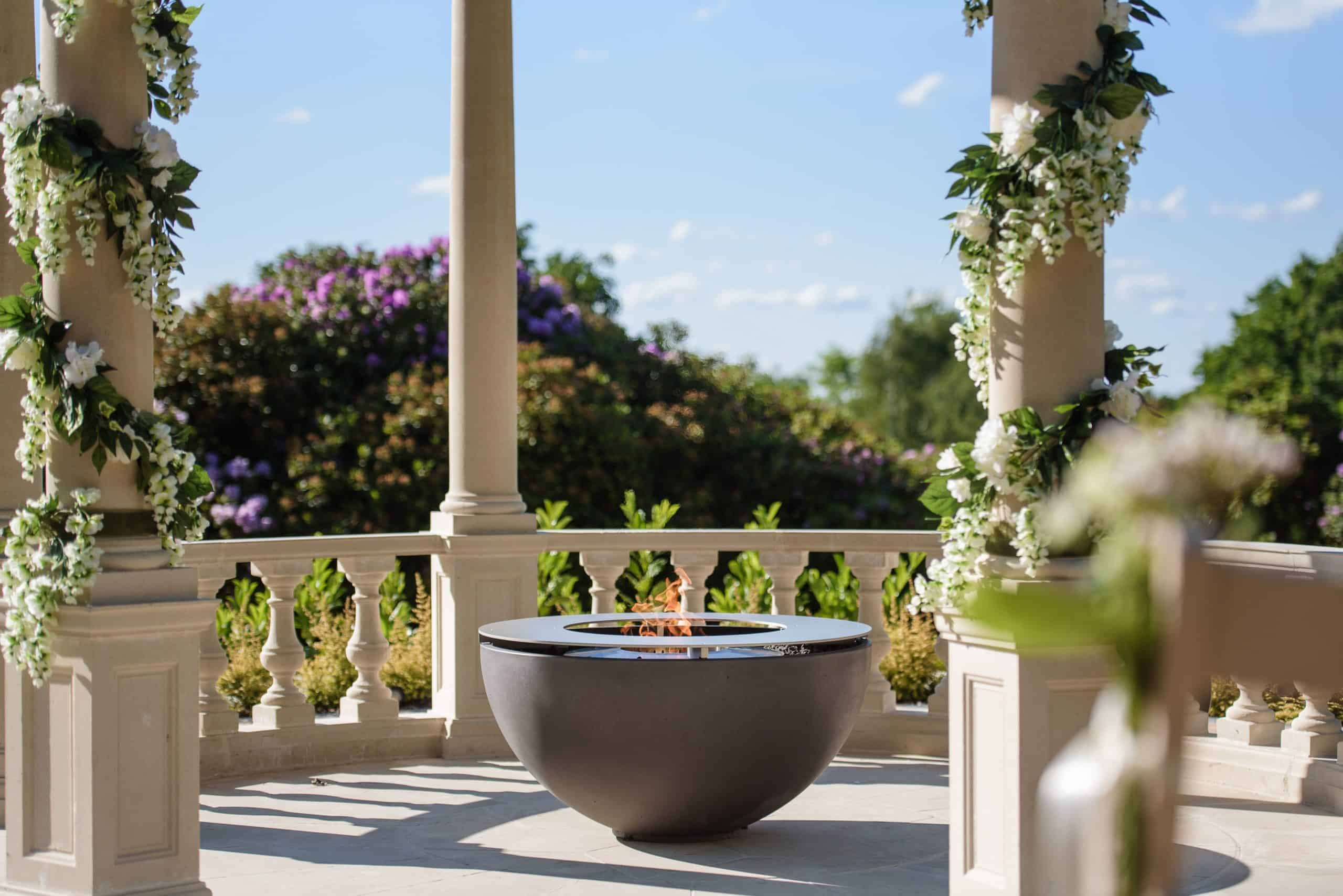 Hemi 36 Fire Bowl with All Metal Fire Ring/Table